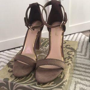Brand New heeled sandal